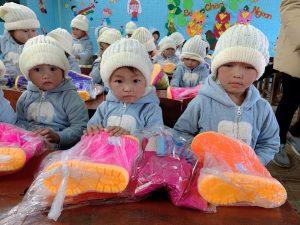vimax đông ấm cùng trẻ em vùng cao